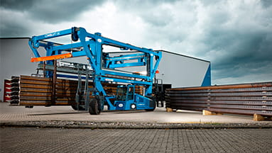 Combilift Straddle Carrier HD